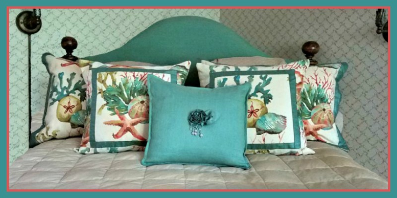 slideBy-the-Sea-SeaLife-Bedding with border